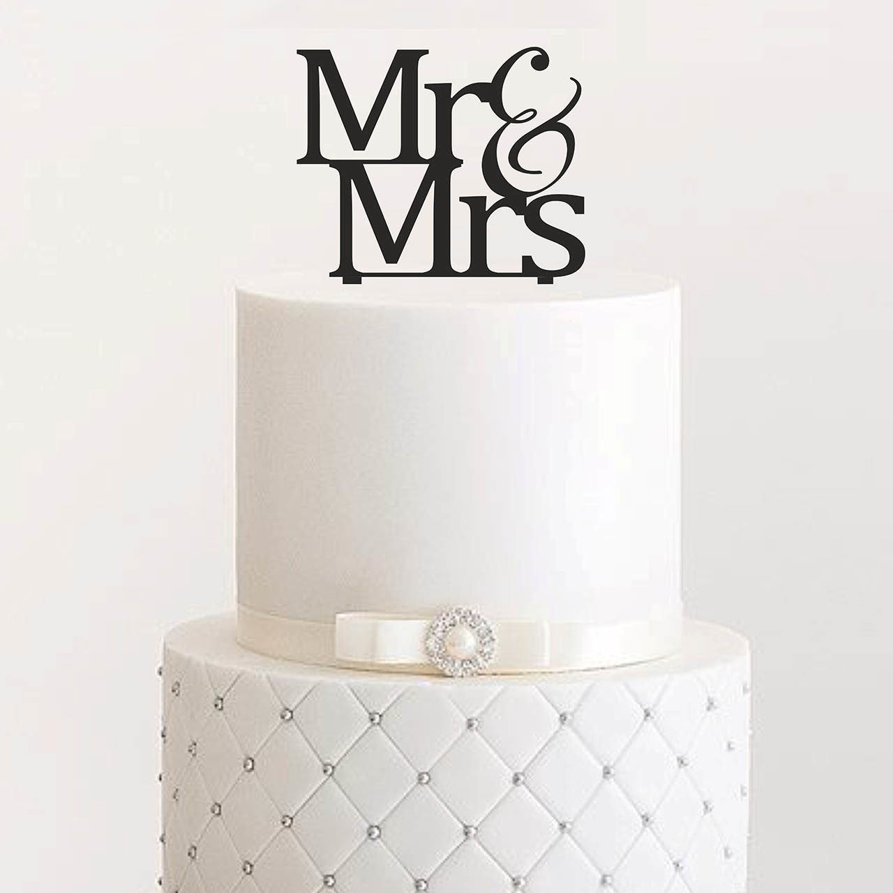 "Cake Topper ""Mr & Mrs"""