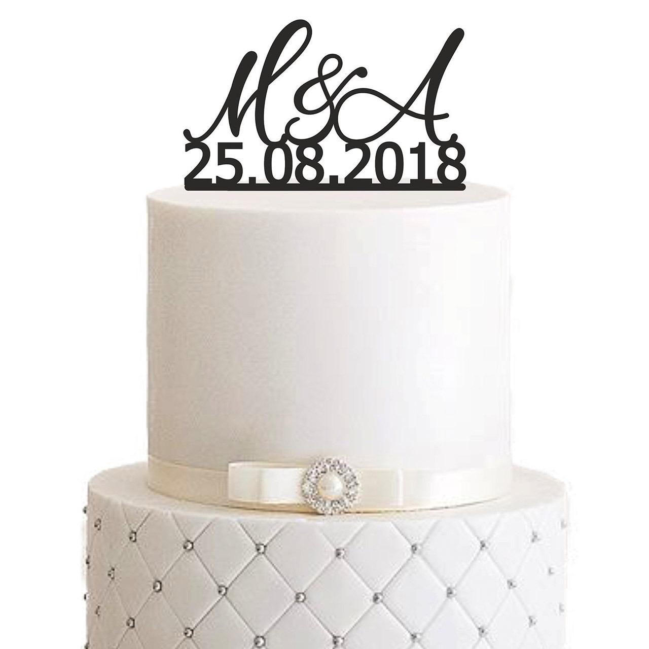 "Cake Topper ""Geschwungene Initialen mit Datum"" – Personalisiert"
